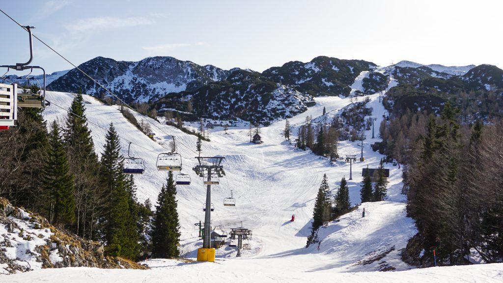 Empty chairlifts at Vogel Ski Resort